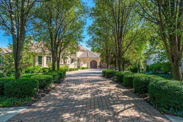 13917 Canterbury Circle, Leawood, KS 66224 (#2203245) :: House of Couse Group