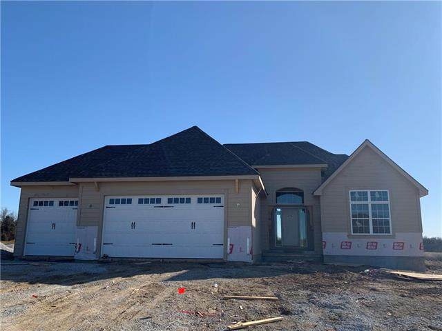 7140 NW Clore Drive, Parkville, MO 64152 (#2204314) :: Team Real Estate