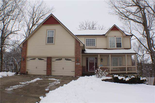 2502 SW Locust Street, Oak Grove, MO 64075 (#2204692) :: House of Couse Group