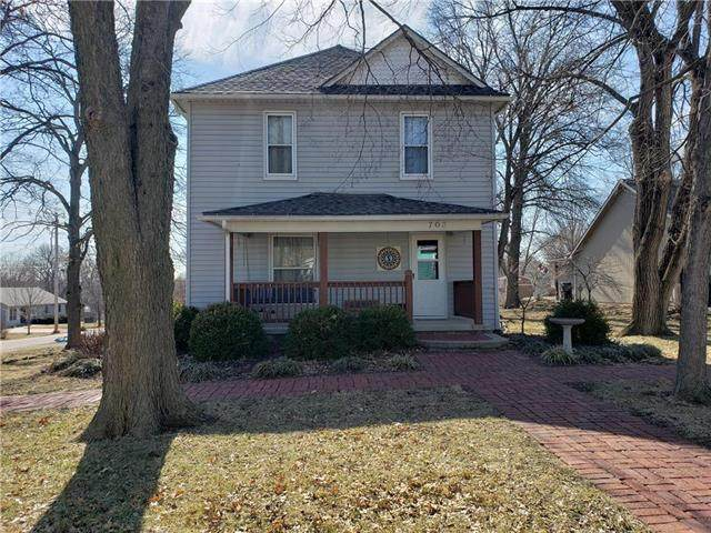 703 Lincoln Street, Baldwin City, KS 66006 (#2204890) :: House of Couse Group