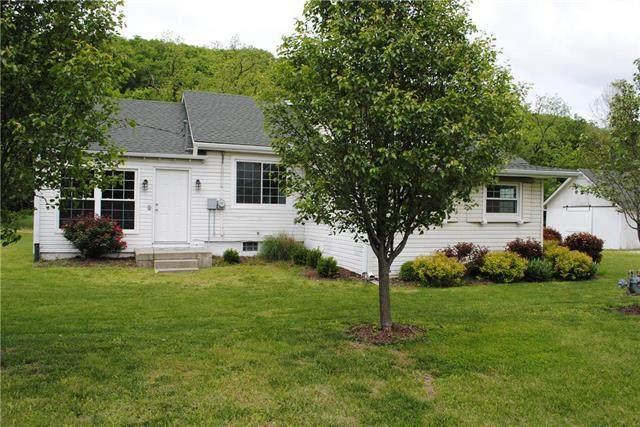 12112 Kaw Drive, Bonner Springs, KS 66012 (#2206110) :: Team Real Estate