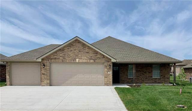 204 NW Lindsey Lane, Grain Valley, MO 64029 (#2206207) :: Team Real Estate