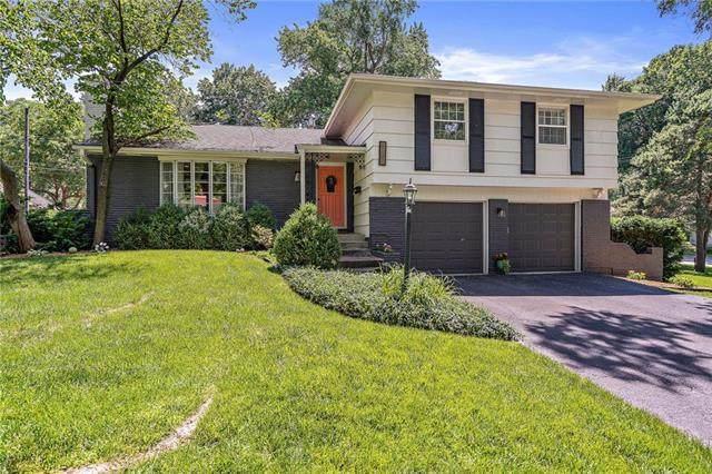 5409 W 81ST Street, Prairie Village, KS 66208 (#2206474) :: Ron Henderson & Associates