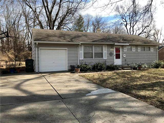 7407 Elm Avenue, Raytown, MO 64133 (#2206609) :: The Gunselman Team