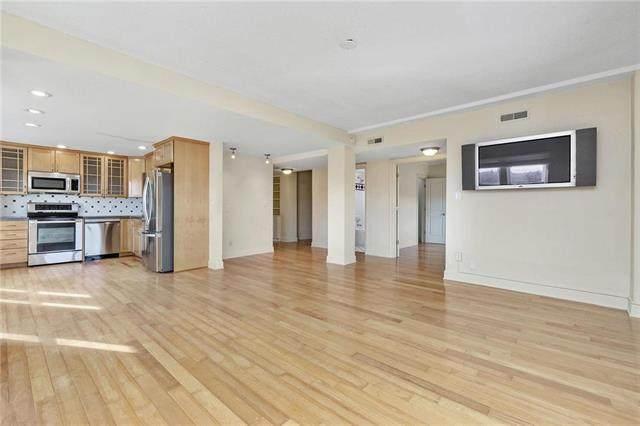 323 E Emanuel Cleaver Boulevard 7E, Kansas City, MO 64112 (#2207940) :: Eric Craig Real Estate Team