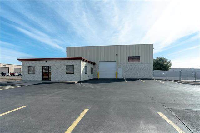 4119 Bonner Industrial Drive, Shawnee, KS 66226 (#2207957) :: House of Couse Group
