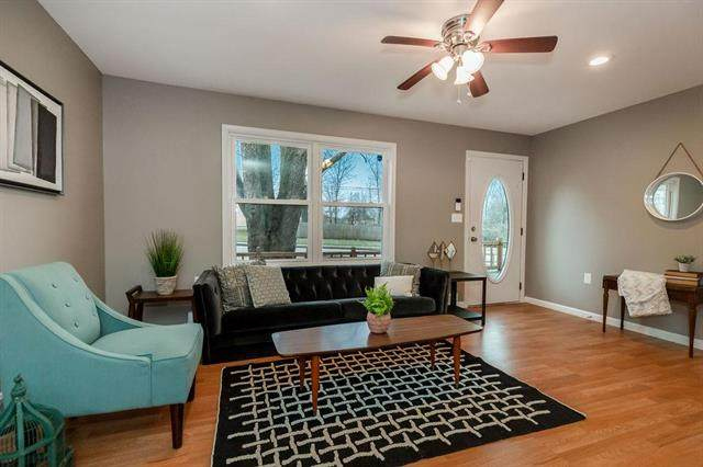 7808 Longview Road, Kansas City, MO 64134 (#2208050) :: Team Real Estate