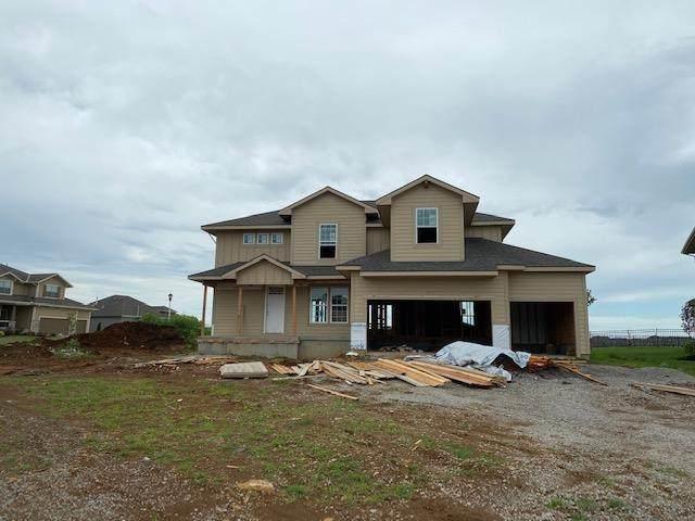 16656 S Schweiger Drive, Olathe, KS 66062 (#2208671) :: Five-Star Homes