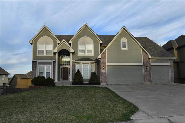 2604 SW Regency Drive, Lee's Summit, MO 64082 (#2209498) :: House of Couse Group