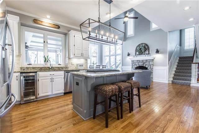 8002 W 138th Street, Overland Park, KS 66223 (#2210424) :: Dani Beyer Real Estate