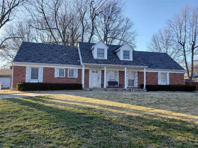 220 Manor Drive, Belton, MO 64012 (#2210483) :: Team Real Estate