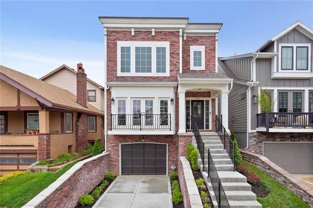 717 W 44th Terrace, Kansas City, MO 64111 (#2211347) :: The Shannon Lyon Group - ReeceNichols
