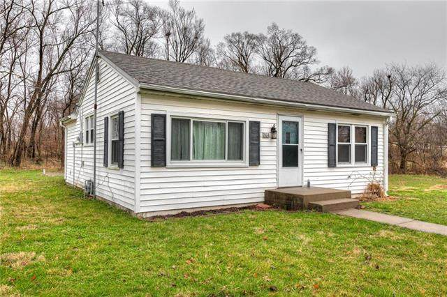 202 Dewey Street, Plattsburg, MO 64477 (#2211788) :: Edie Waters Network