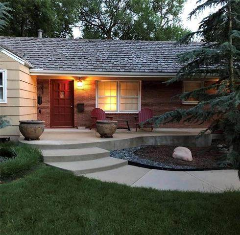 2041 W 84th Terrace, Leawood, KS 66206 (#2212002) :: Team Real Estate