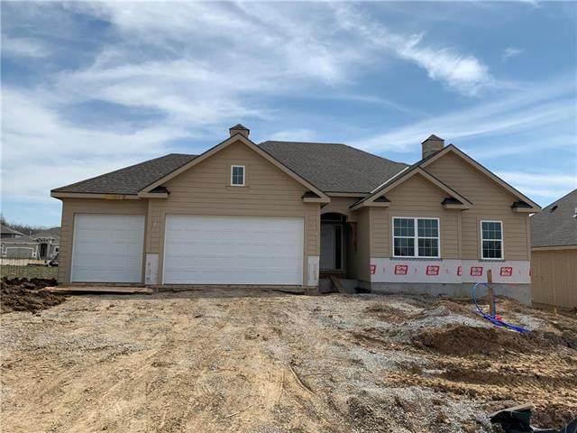 7455 NW Douglas Court, Parkville, MO 64152 (#2212613) :: Eric Craig Real Estate Team