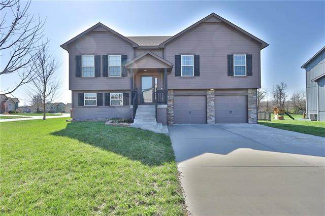 1915 Red Bud Court, Raymore, MO 64083 (#2214077) :: Ask Cathy Marketing Group, LLC