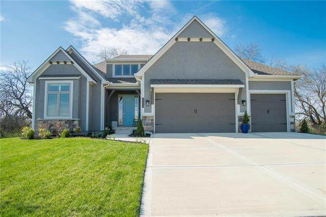 2775 SW 12th Terrace, Lee's Summit, MO 64081 (#2214159) :: House of Couse Group