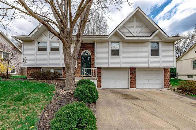 312 NW 39th Street, Blue Springs, MO 64015 (#2214410) :: Ask Cathy Marketing Group, LLC