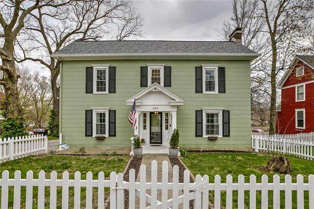 509 E Mill Street, Liberty, MO 64068 (#2214629) :: Ron Henderson & Associates