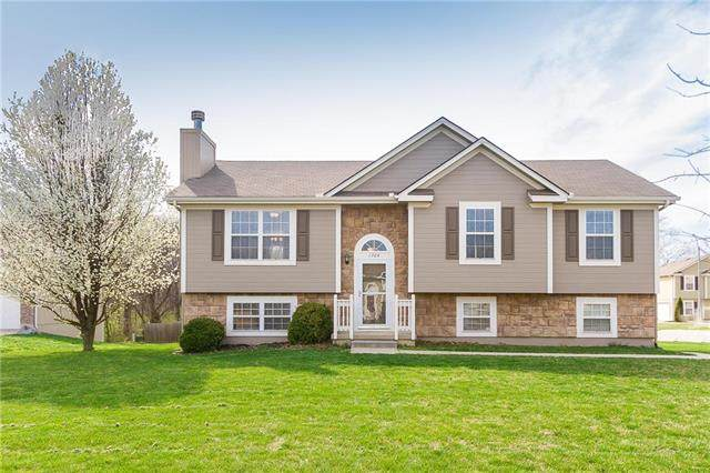 1704 NW Helen Court, Grain Valley, MO 64029 (#2214687) :: Ask Cathy Marketing Group, LLC