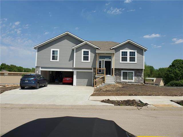 6501 E 127th Street, Grandview, MO 64030 (#2214900) :: Dani Beyer Real Estate