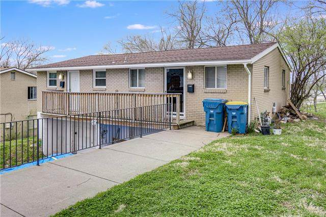 11304 E Park Street, Sugar Creek, MO 64054 (#2215031) :: House of Couse Group