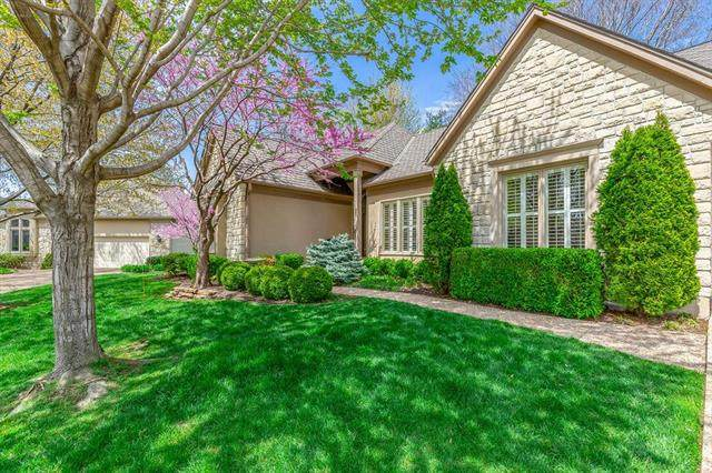 5308 W 116th Street, Leawood, KS 66211 (#2215202) :: Audra Heller and Associates
