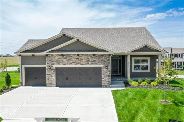 9031 SE 1st Court, Blue Springs, MO 64064 (#2216802) :: House of Couse Group