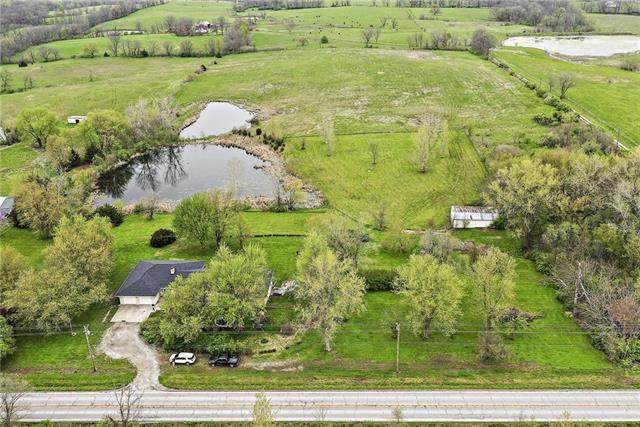8404 NE 92 Highway, Smithville, MO 64089 (#2217466) :: House of Couse Group