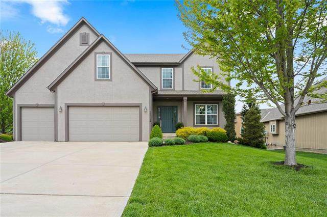 22114 W 70th Street, Shawnee, KS 66226 (#2218344) :: House of Couse Group