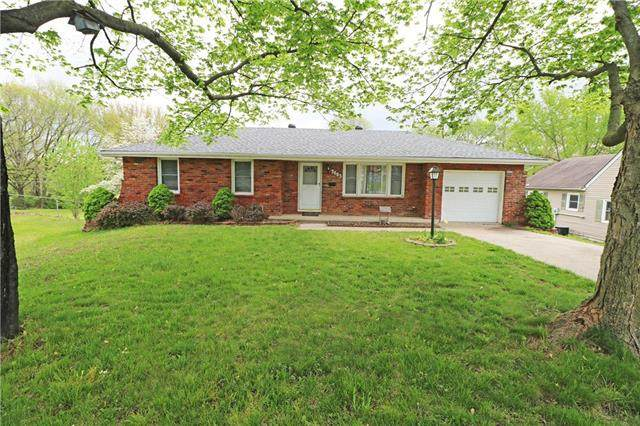 3603 S Claremont Avenue, Independence, MO 64052 (#2218850) :: Edie Waters Network