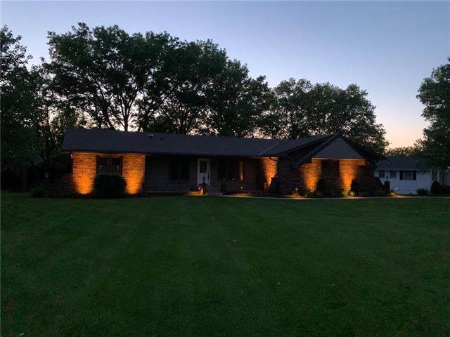 126 Rohrer Heights Drive, Osawatomie, KS 66064 (#2219490) :: The Shannon Lyon Group - ReeceNichols