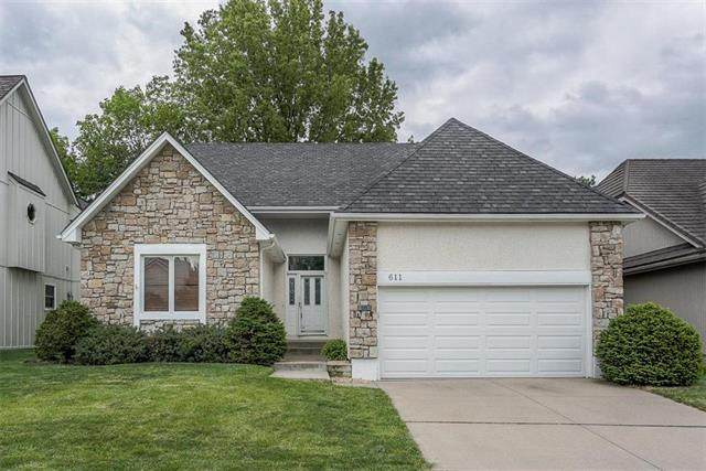 611 NE Saint Andrews Circle, Lee's Summit, MO 64064 (#2219568) :: Eric Craig Real Estate Team