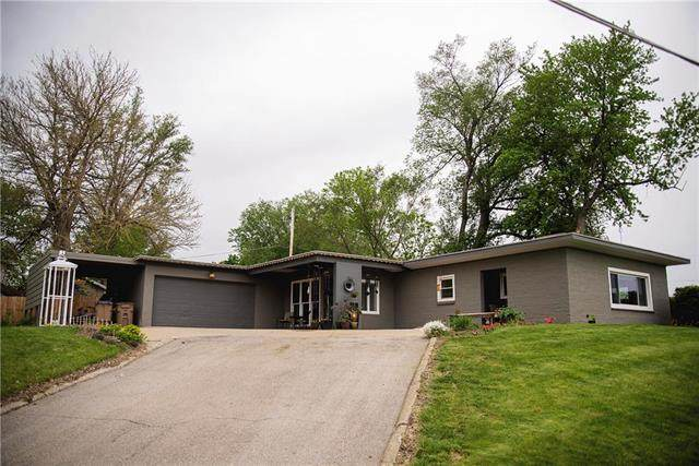 808 Forest Avenue, Atchison, KS 66002 (#2219685) :: Ron Henderson & Associates