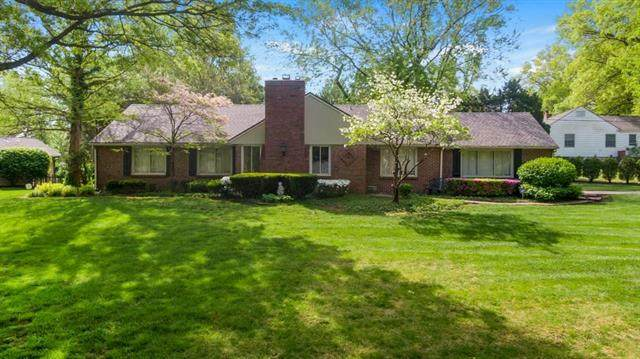 2813 W 91st Terrace, Leawood, KS 66206 (#2220282) :: Audra Heller and Associates