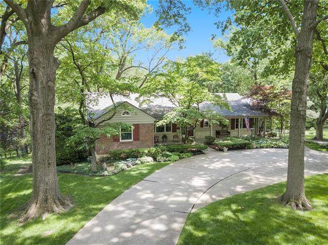 9429 Lee Boulevard, Leawood, KS 66206 (#2221153) :: The Shannon Lyon Group - ReeceNichols