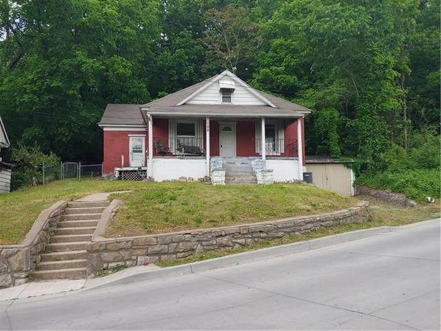102 S Kansas City Avenue, Excelsior Springs, MO 64024 (#2221755) :: The Shannon Lyon Group - ReeceNichols
