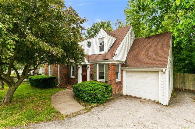 3116 S Sterling Avenue, Independence, MO 64052 (#2222016) :: The Shannon Lyon Group - ReeceNichols