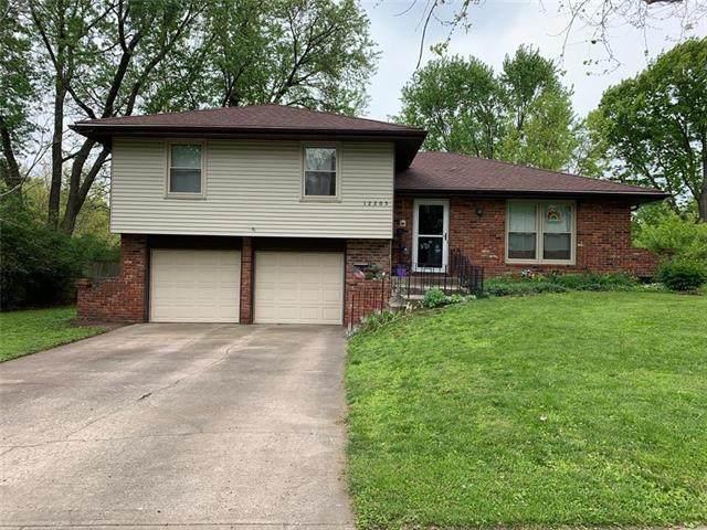 12205 W 67th Terrace, Shawnee, KS 66216 (#2222150) :: The Shannon Lyon Group - ReeceNichols