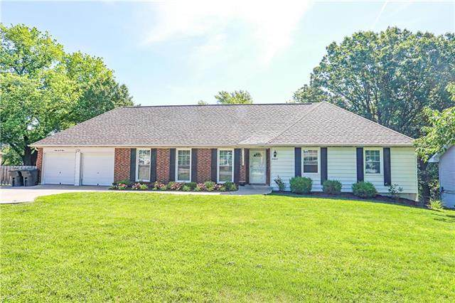 6603 NW Blair Road, Parkville, MO 64152 (#2222466) :: Edie Waters Network