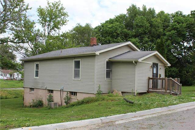 210 W 26th Street, Higginsville, MO 64037 (#2222511) :: The Shannon Lyon Group - ReeceNichols