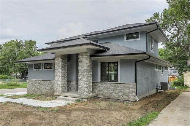 2110 W 73rd Terrace, Prairie Village, KS 66208 (#2222604) :: The Gunselman Team