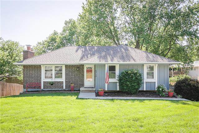 6910 NW Searcy Drive, Parkville, MO 64152 (#2223146) :: Dani Beyer Real Estate