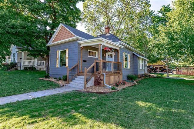 110 E Osage Street, Paola, KS 66071 (#2223195) :: Ron Henderson & Associates