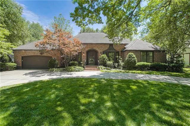 3215 W 83rd Street, Leawood, KS 66206 (#2223349) :: Ron Henderson & Associates