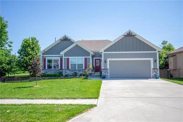 12303 Astor Court, Peculiar, MO 64078 (#2223440) :: Ron Henderson & Associates