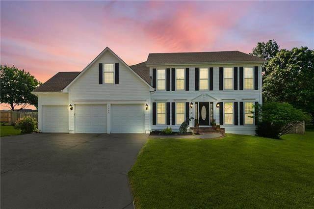 1207 SW Wintergreen Lane, Blue Springs, MO 64015 (#2223952) :: Team Real Estate