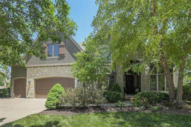 11214 W 163rd Terrace, Overland Park, KS 66221 (#2224186) :: The Shannon Lyon Group - ReeceNichols