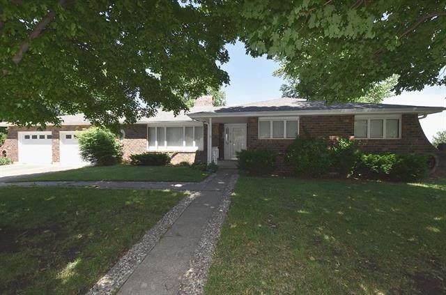 7 Southridge Drive, Platte City, MO 64079 (#2224341) :: The Gunselman Team