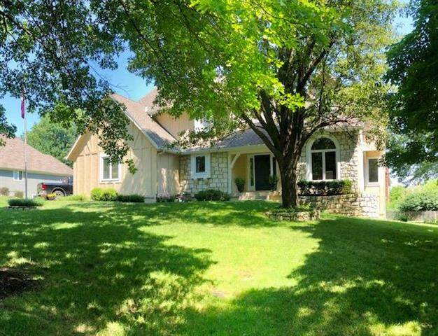 3208 W 122ND Street, Leawood, KS 66209 (#2227891) :: Team Real Estate